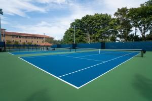 Biltmore Tennis Laykold 10